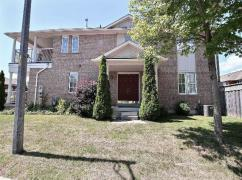South Ajax Freehold UndUnit for sale. 3 bdrm, 2 stry, 1700+ sqf!