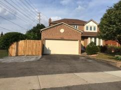 Bedroom in a beautiful house near UTM&Credit Valley Public Scho-40;